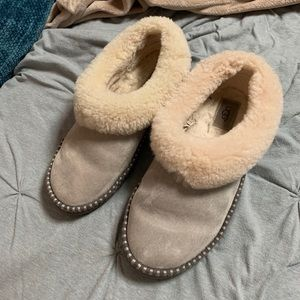 Size 10 UGG slippers